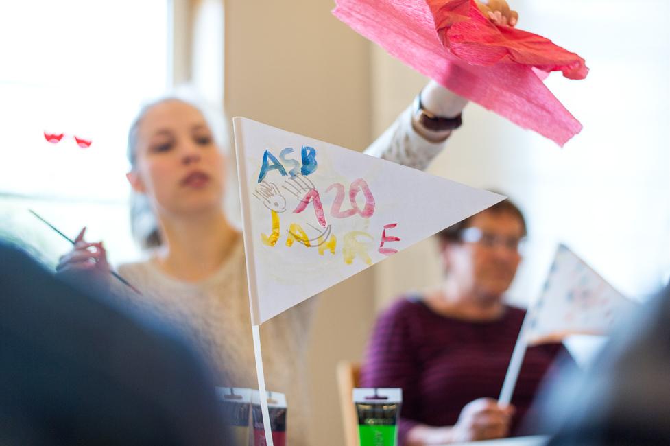 Schüler und Auszubildende beim ASB