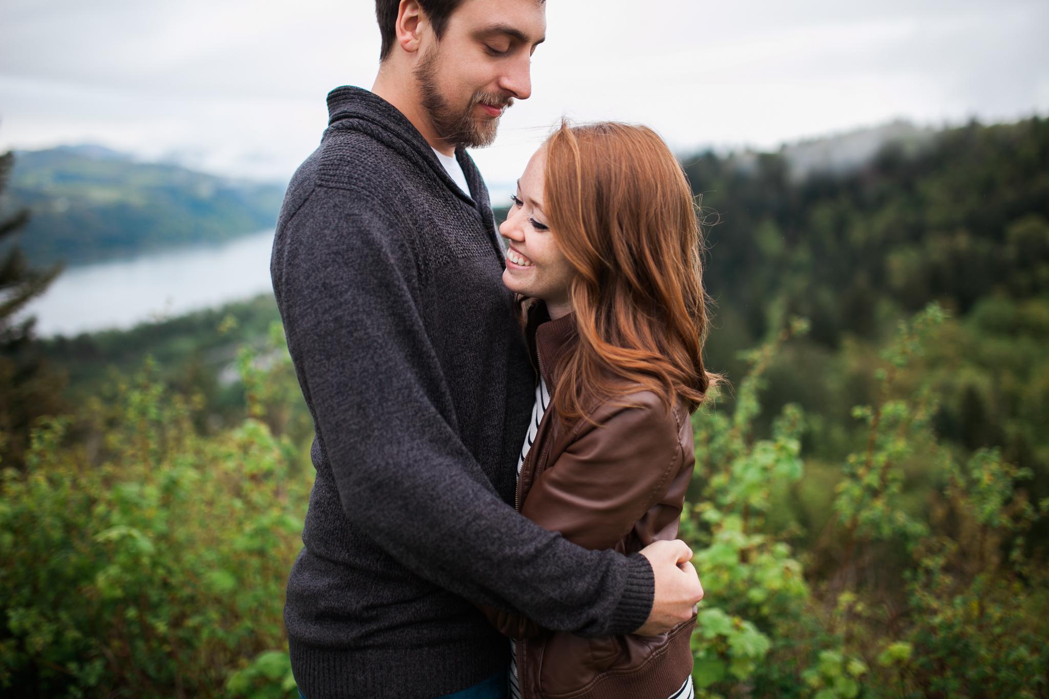Portland-Oregon-Engagement-Jen-Dederich-Photography_007.jpg