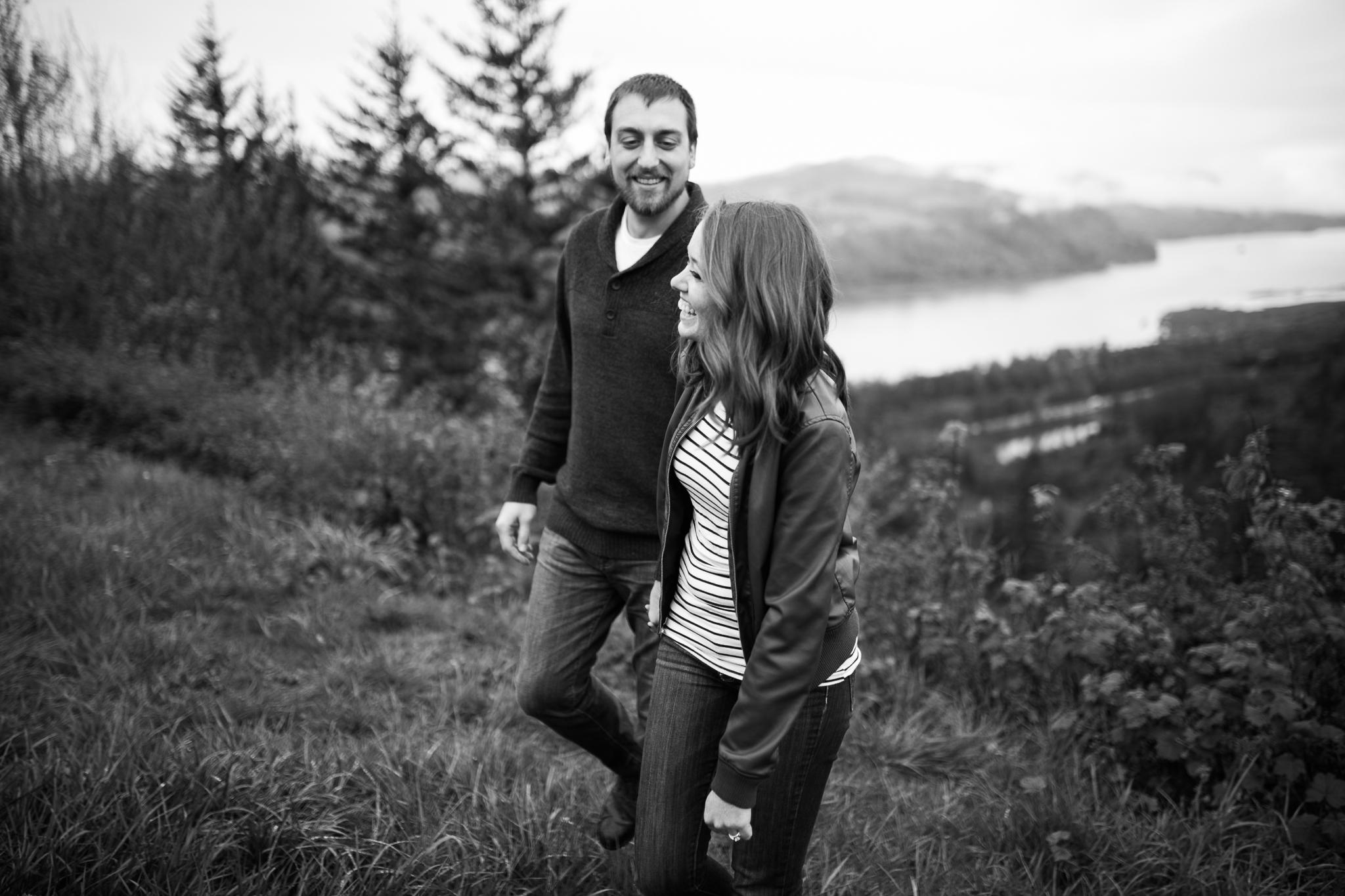 Portland-Oregon-Engagement-Jen-Dederich-Photography_009.jpg