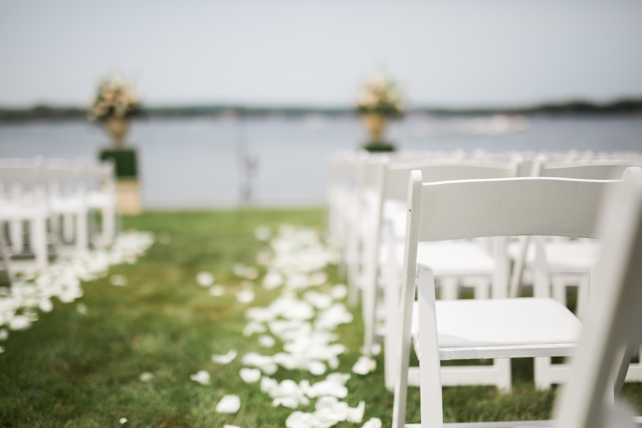 Backyard-Wisconsin-Lake-wedding_033.jpg