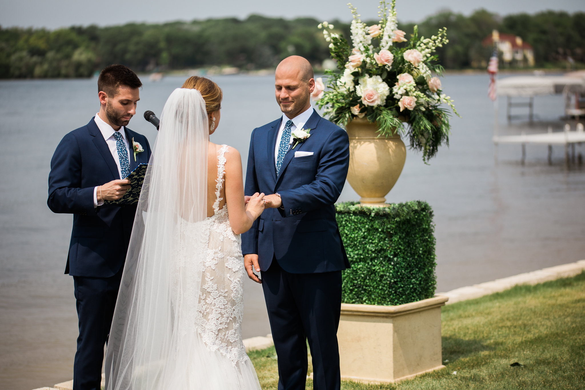 Backyard-Wisconsin-Lake-wedding_077.jpg