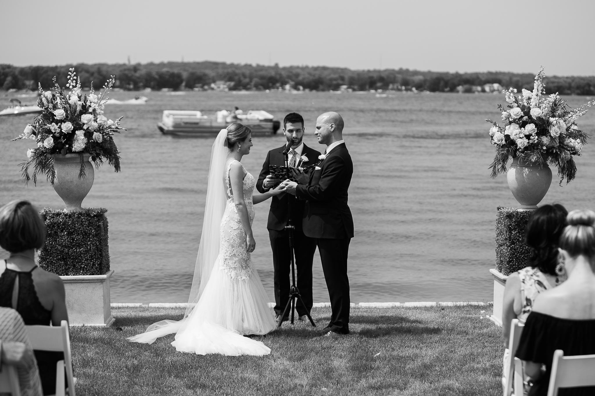 Backyard-Wisconsin-Lake-wedding_082.jpg