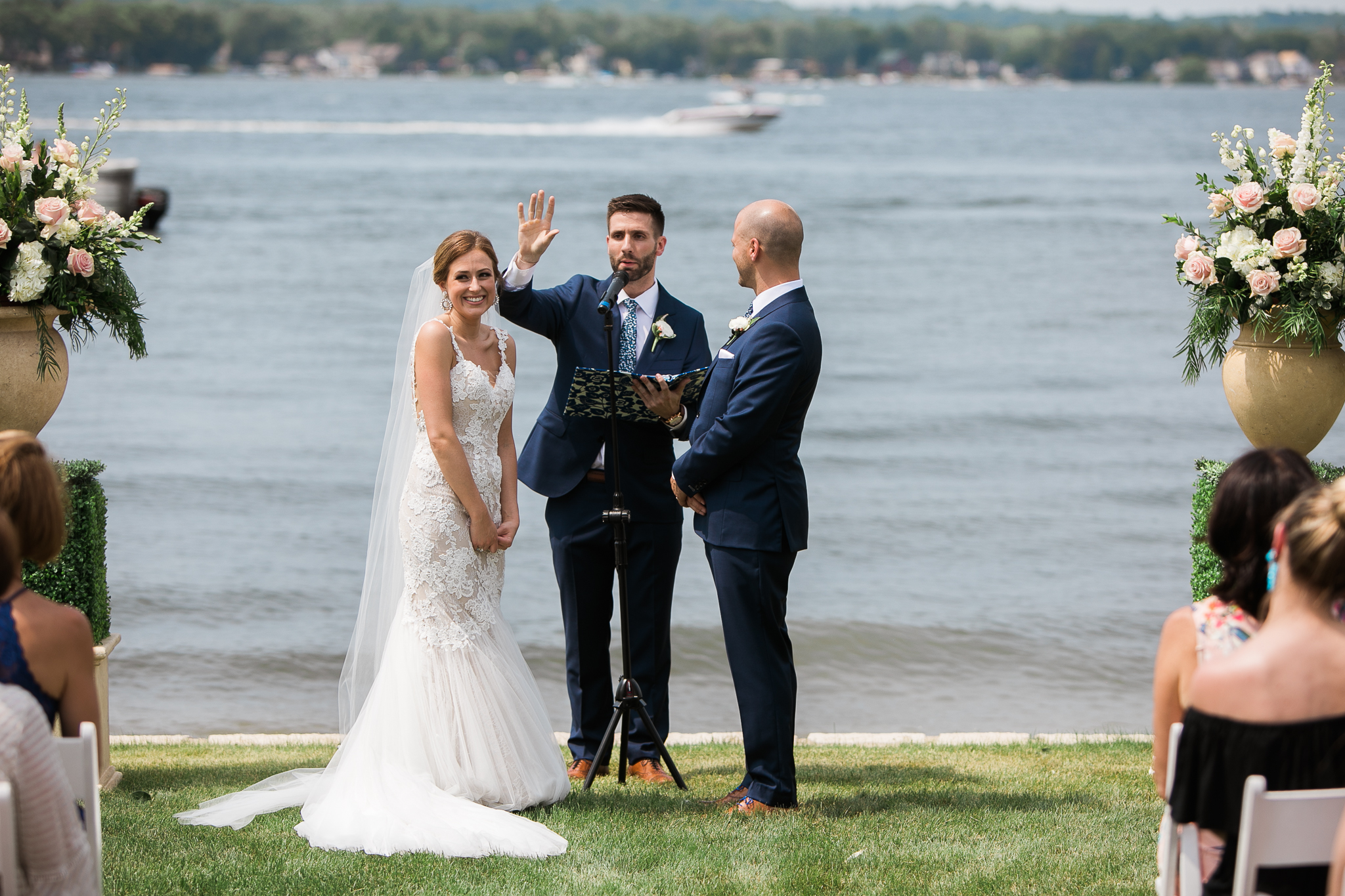 Backyard-Wisconsin-Lake-wedding_084.jpg
