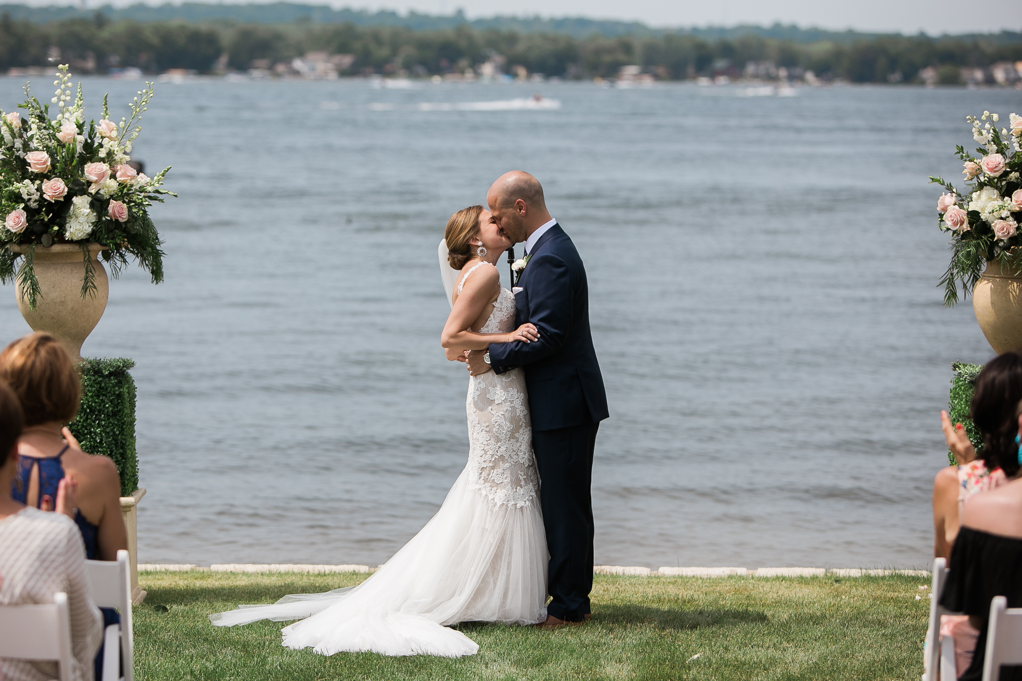 Backyard-Wisconsin-Lake-wedding_085.jpg
