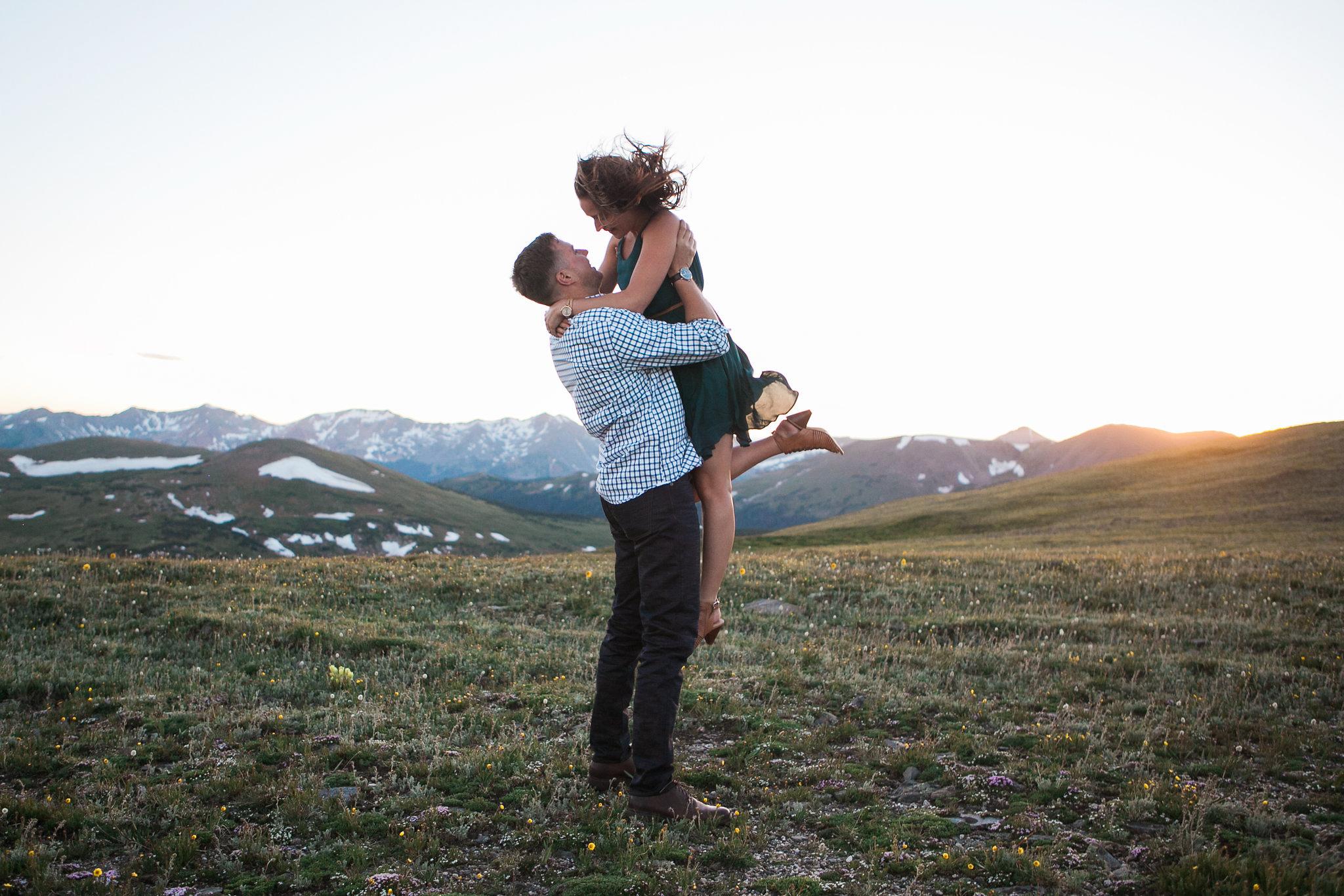 Rocky-Mountain-National-Park-engagement_047.jpg