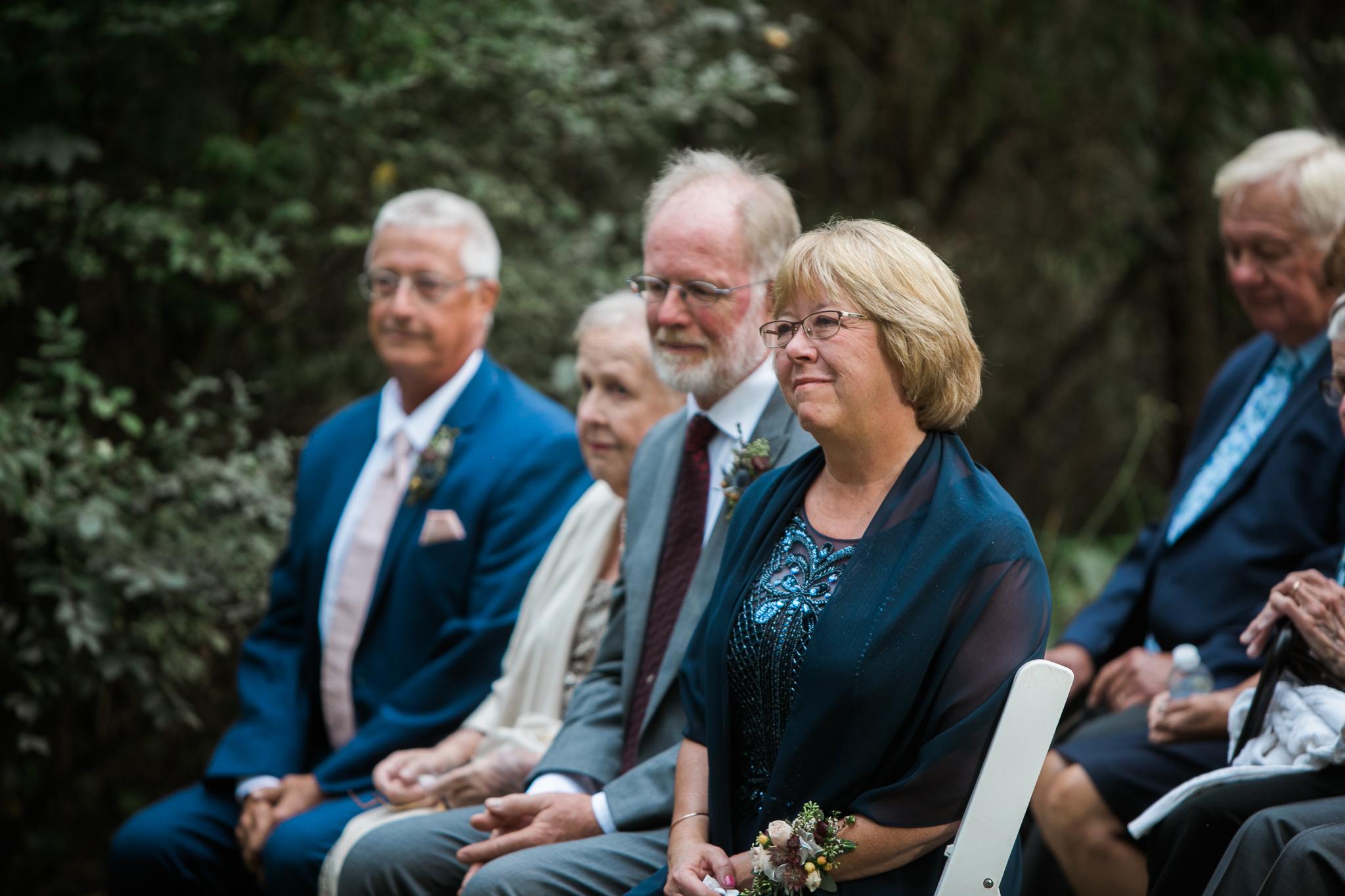 Paoli-Mill-wedding-summer-Wisconsin_099.jpg