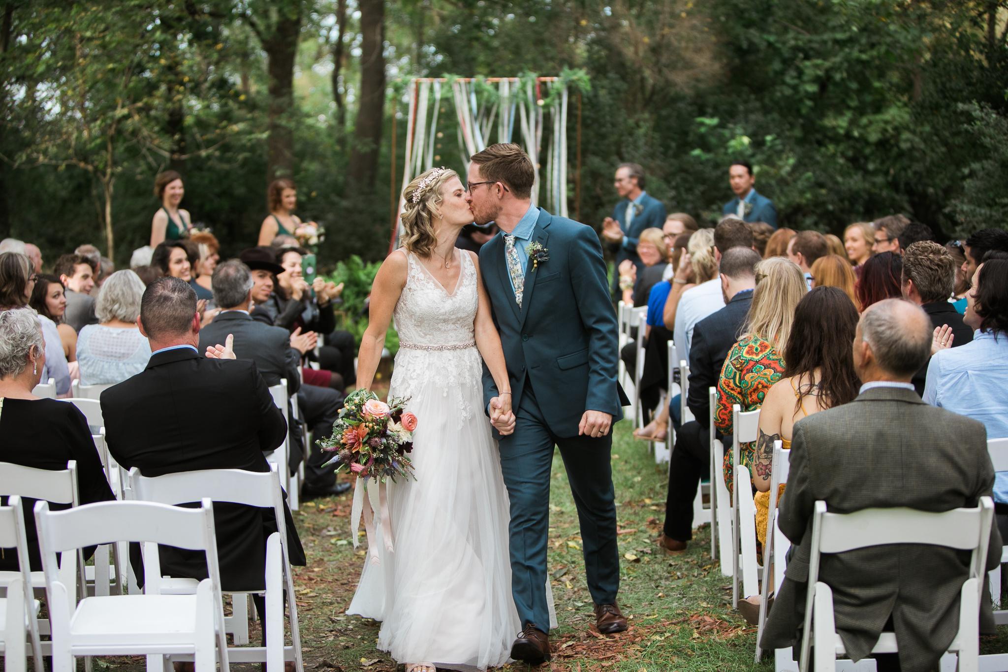 Paoli-Mill-wedding-summer-Wisconsin_130.jpg