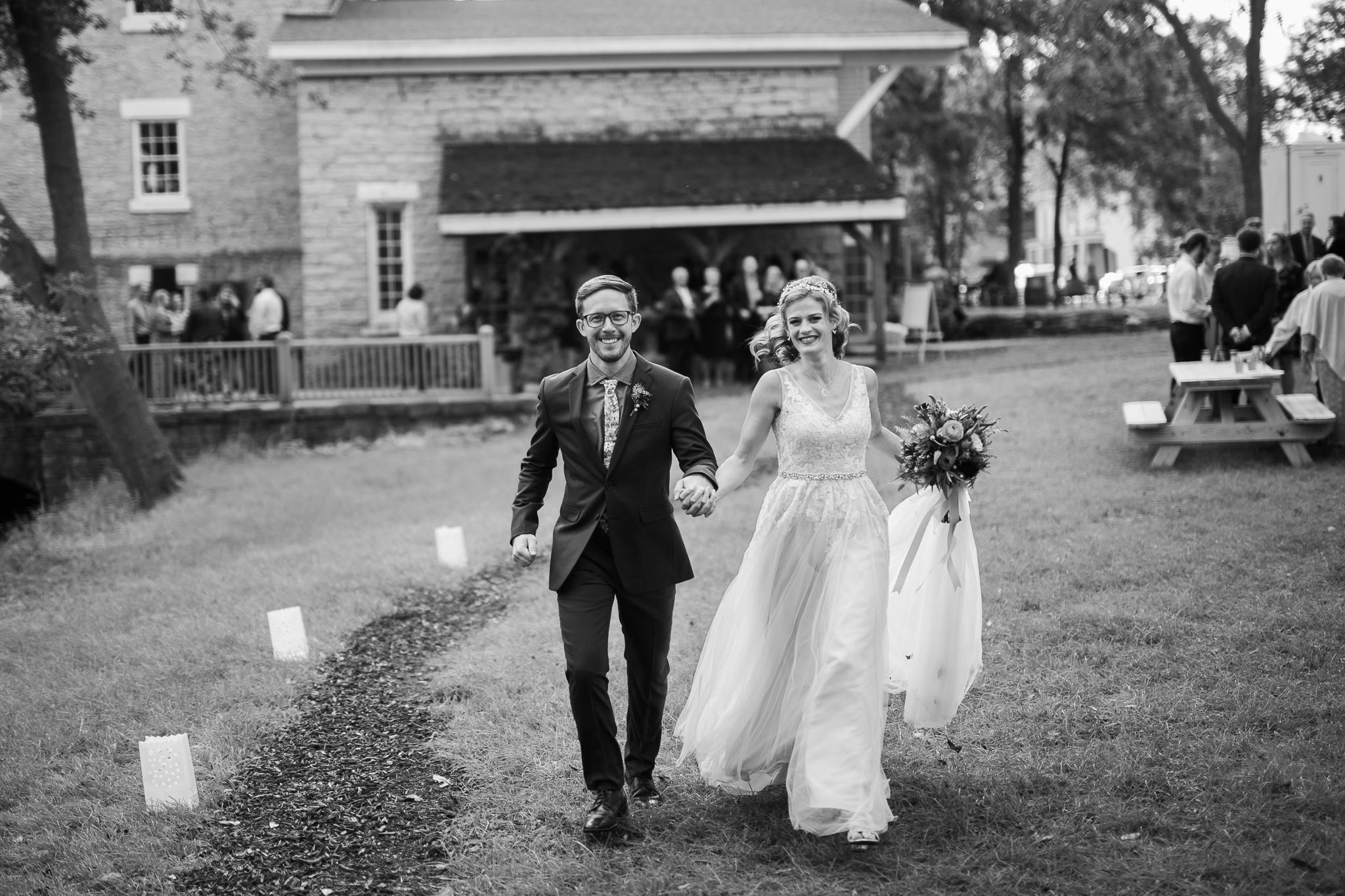 Paoli-Mill-wedding-summer-Wisconsin_159.jpg
