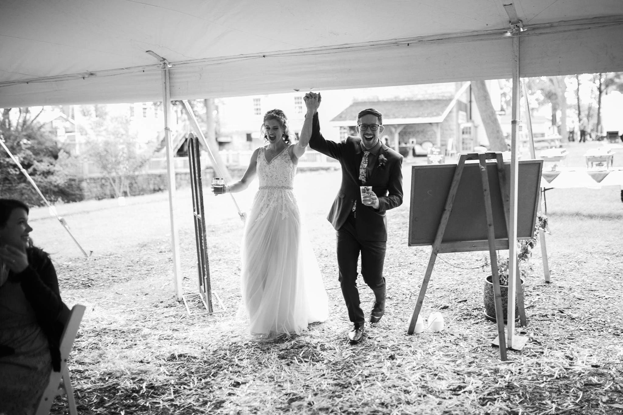 Paoli-Mill-wedding-summer-Wisconsin_164.jpg
