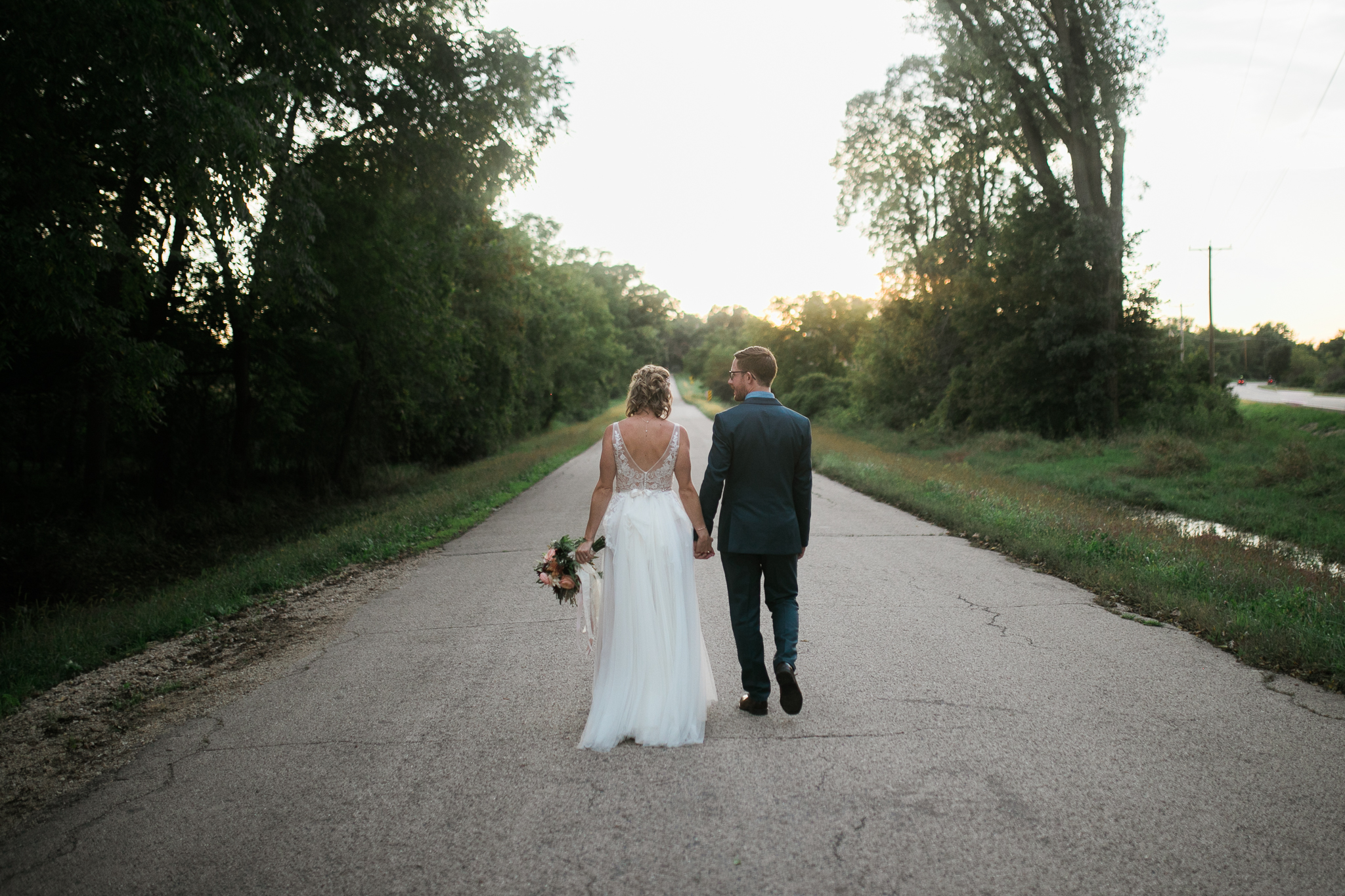 Paoli-Mill-wedding-summer-Wisconsin_177.jpg