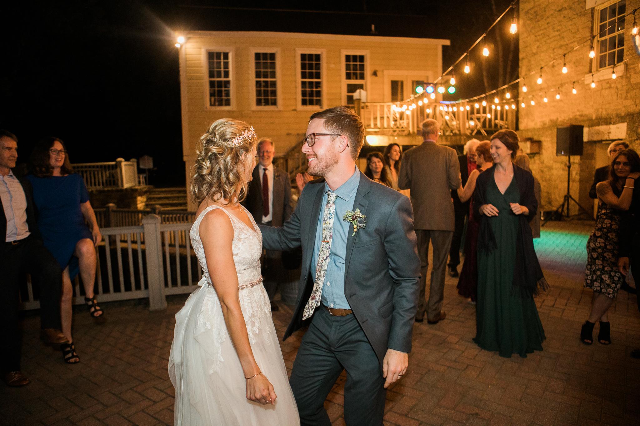 Paoli-Mill-wedding-summer-Wisconsin_210.jpg