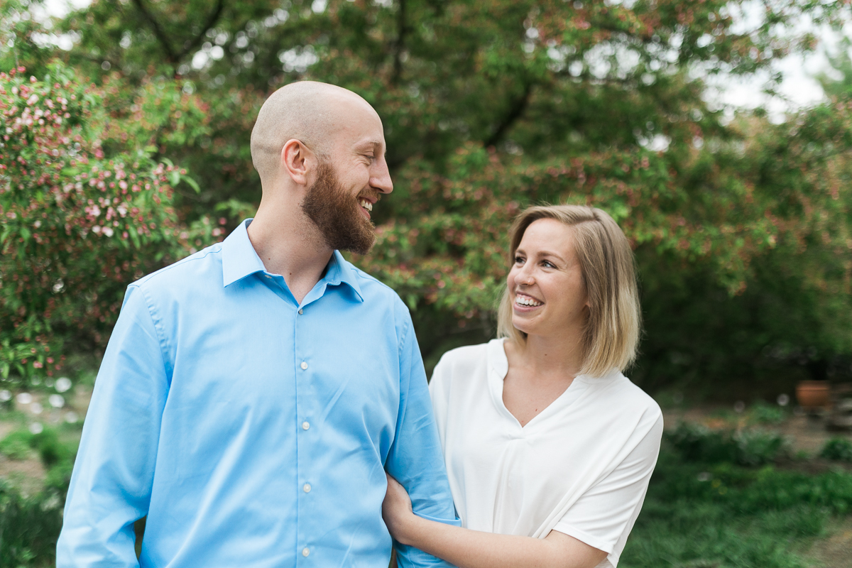 Greehouse-engagement-portraits-Delafield-Wisconsin_003.jpg