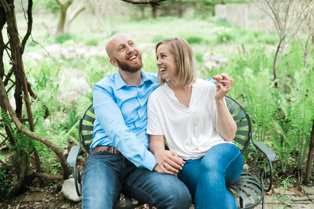 Greehouse-engagement-portraits-Delafield-Wisconsin_004.jpg