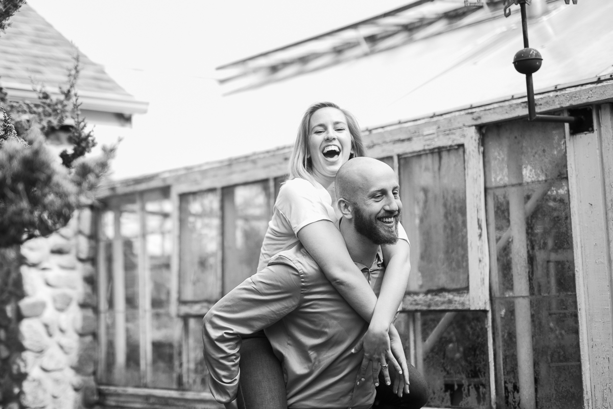 Greehouse-engagement-portraits-Delafield-Wisconsin_018.jpg