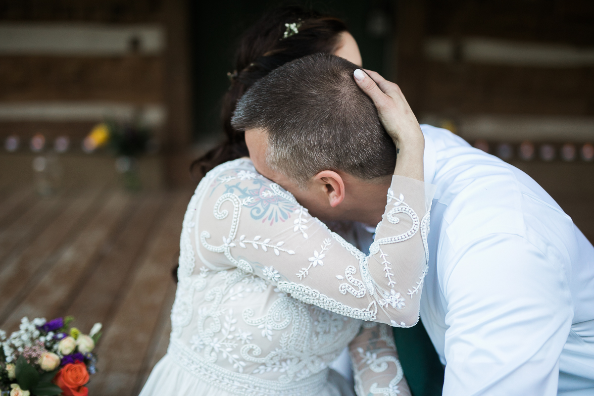 Elopement-cabin-outdoor-wedding-Wisconsin_109.jpg