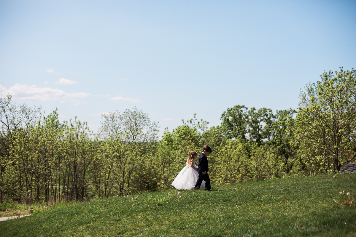 The-Fields-Reserve-Stoughton-Wisconsin-Wedding_035.jpg