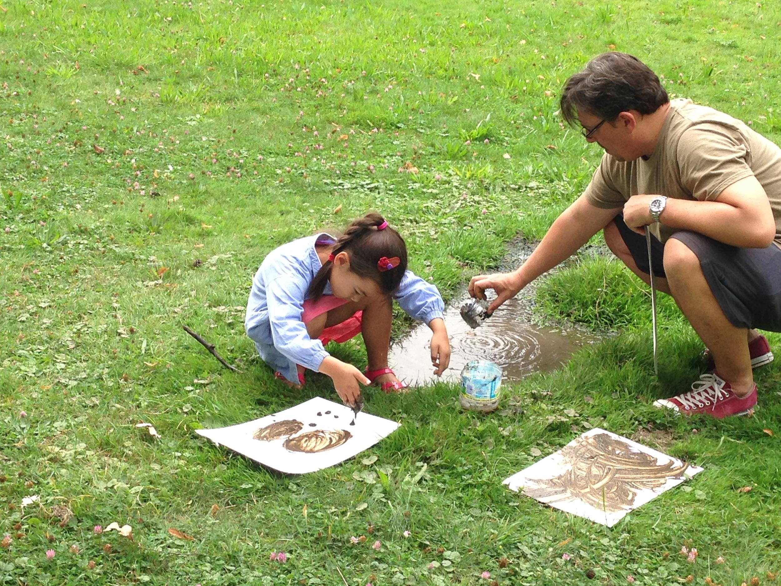 Exploring textures and Land Art: Mud Drawing