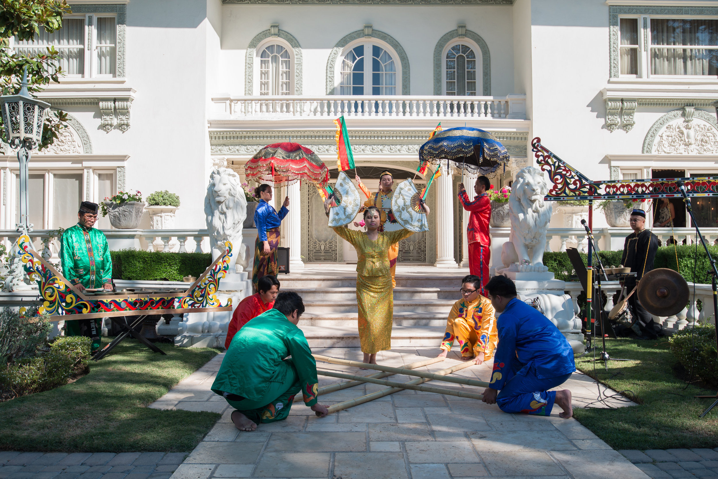 Filipino dance troupe