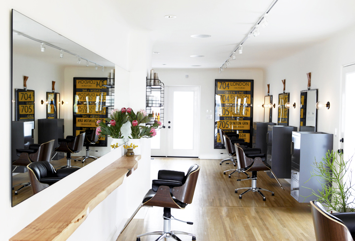 Live Edge Bar Top | Morrison Salon | Photo: Laure Joliet