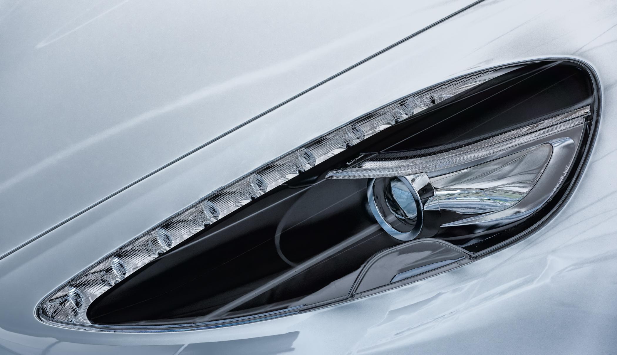 Aston Martin Headlamp 2