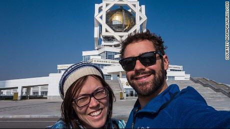 Travel troubles: Jarryd Salem e Alesha Bradford