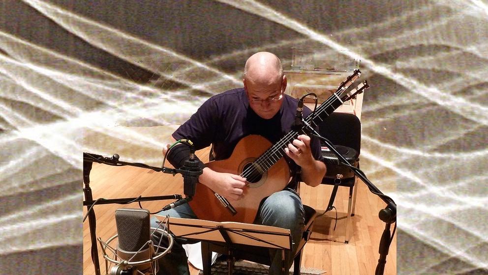 Syracuse University guitarist Kenneth Meyer
