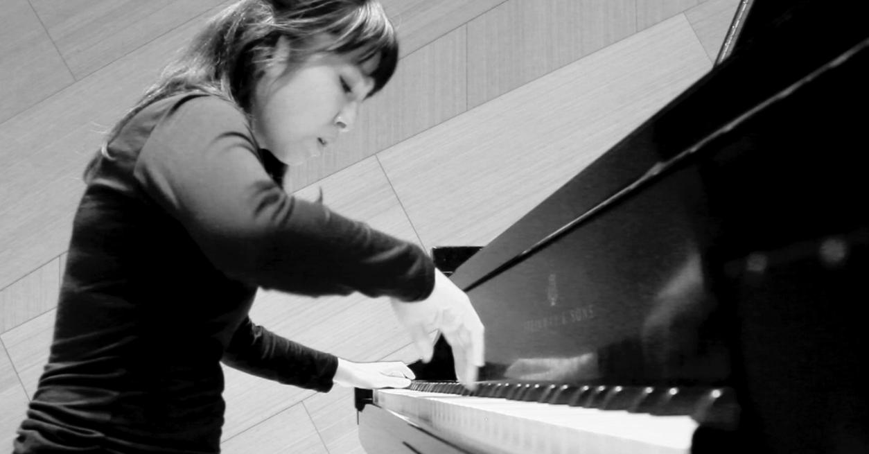 Maria piano.png