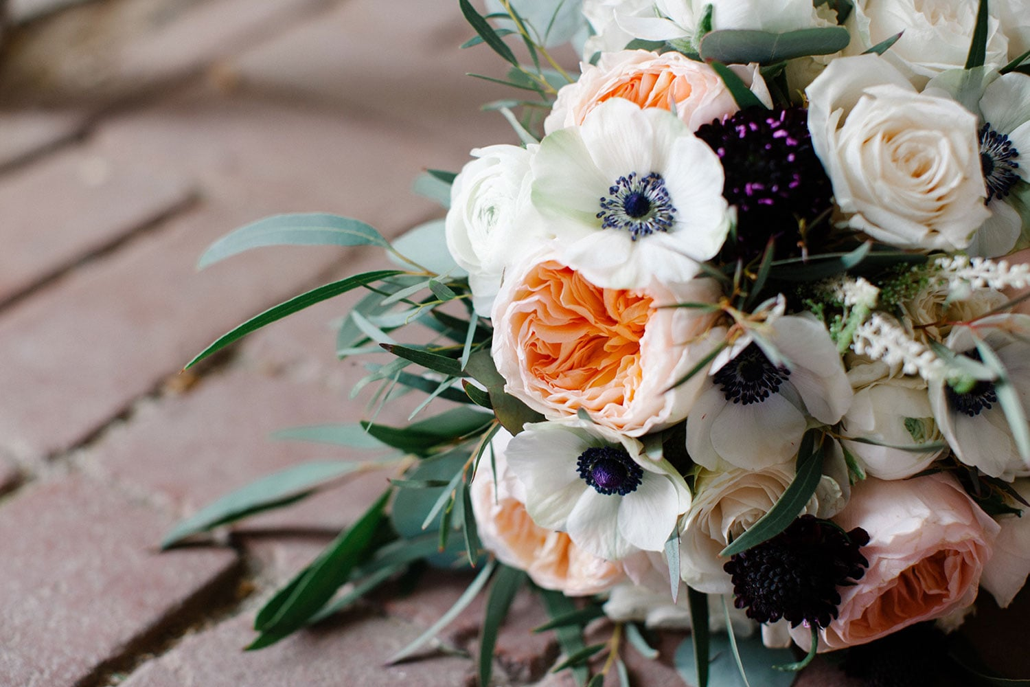 Wedding bouquet with anemones | Terrain wedding with blush accents | Wedding planner & wedding designer: Heart & Dash | Photo: Svetlana Photography | Florals: Devon & Pinkett