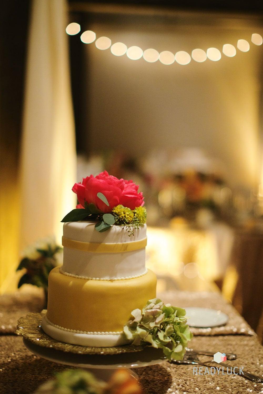 Gold wedding cake details | Industrial warehouse wedding in Fishtown Philadelphia at Front & Palmer | Wedding planner & wedding design: Heart & Dash | Photo: Readyluck | Flowers: Vault + Vine
