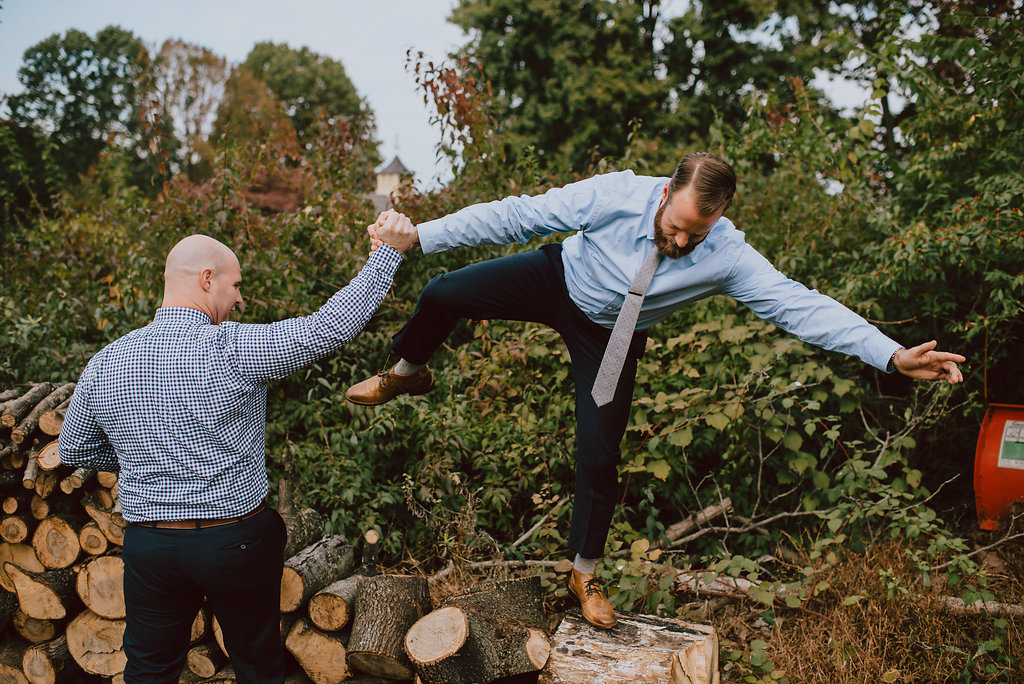 Groomsmen wearing blue shirts with grey ties and brown shoes for a casual wedding look :: Philadelphia are wedding at bed & breakfast :: Heart & Dash and Pat Robinson Photography