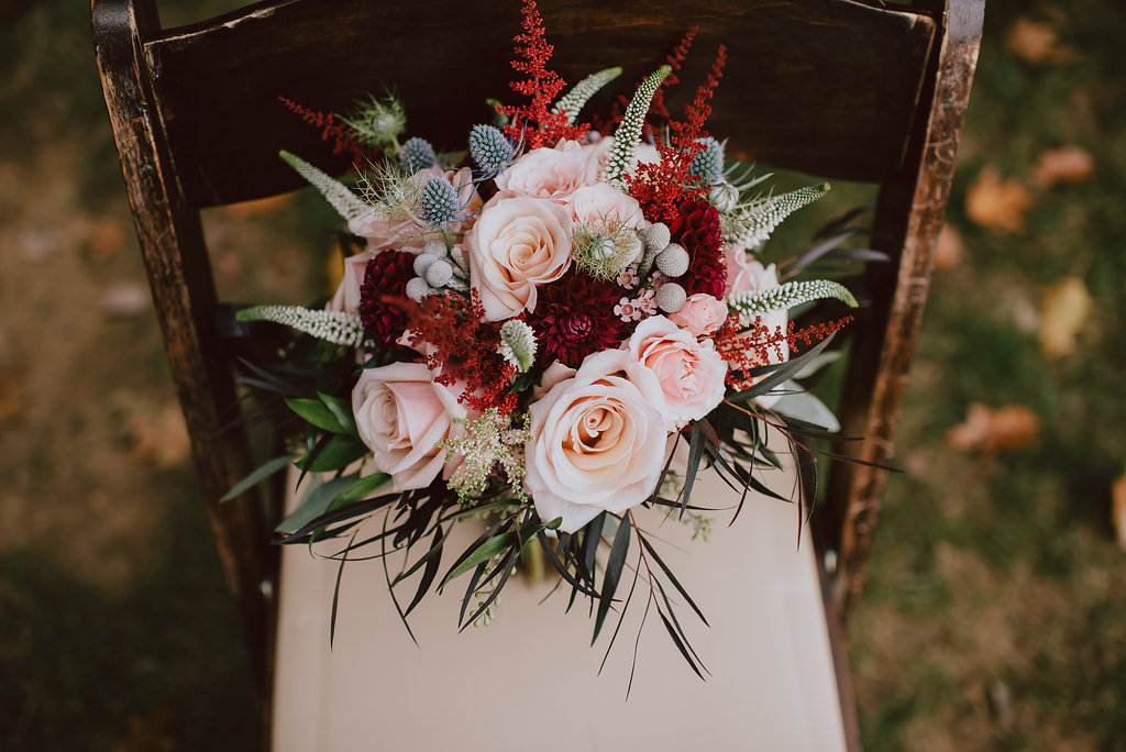 Fall wedding palette bouquet for a bed & breakfast wedding :: Heart & Dash and Pat Robinson Photography
