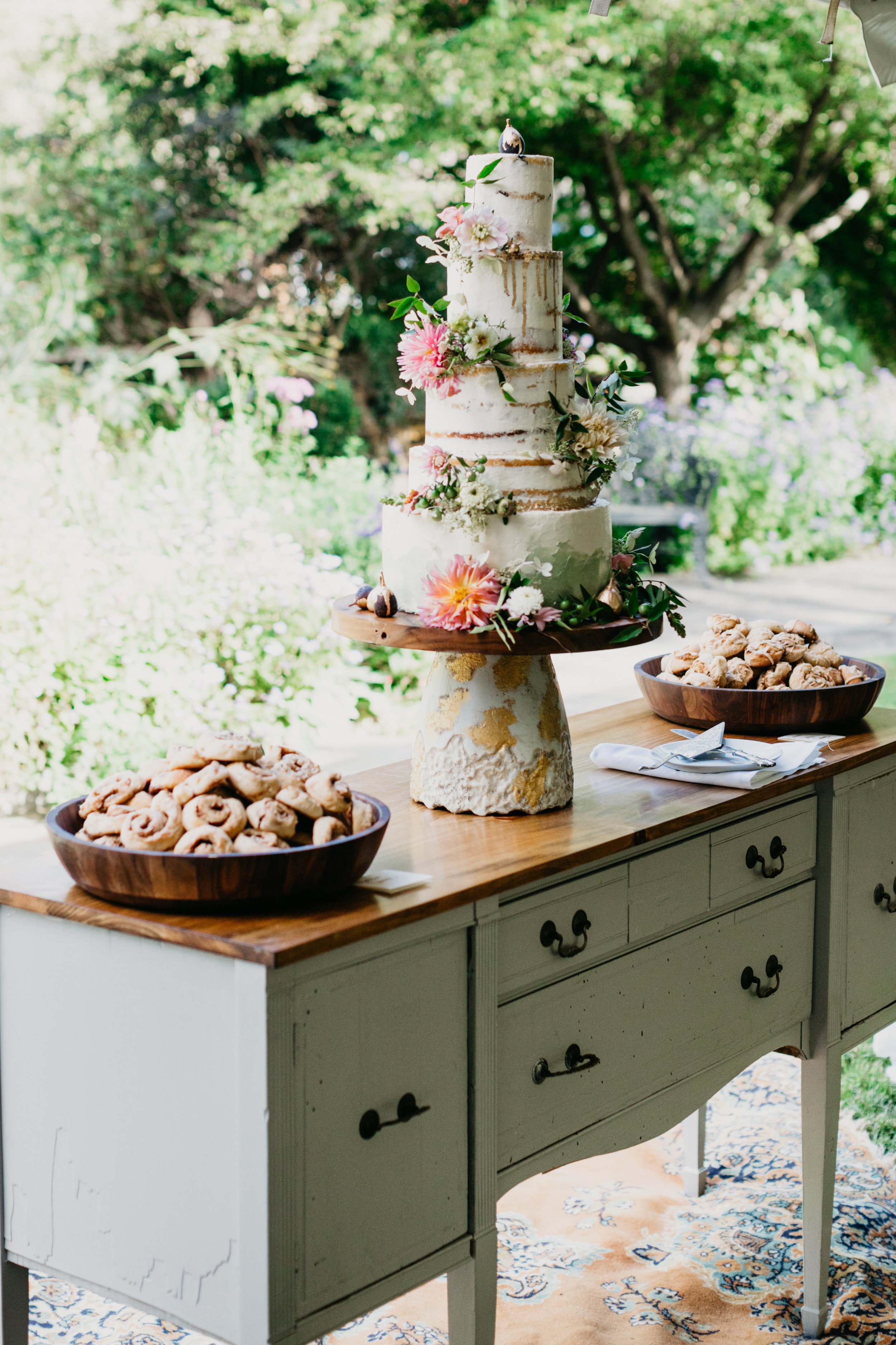 Large family wedding at family estate in Pennsylvania with wedding planner and designer Heart & Dash
