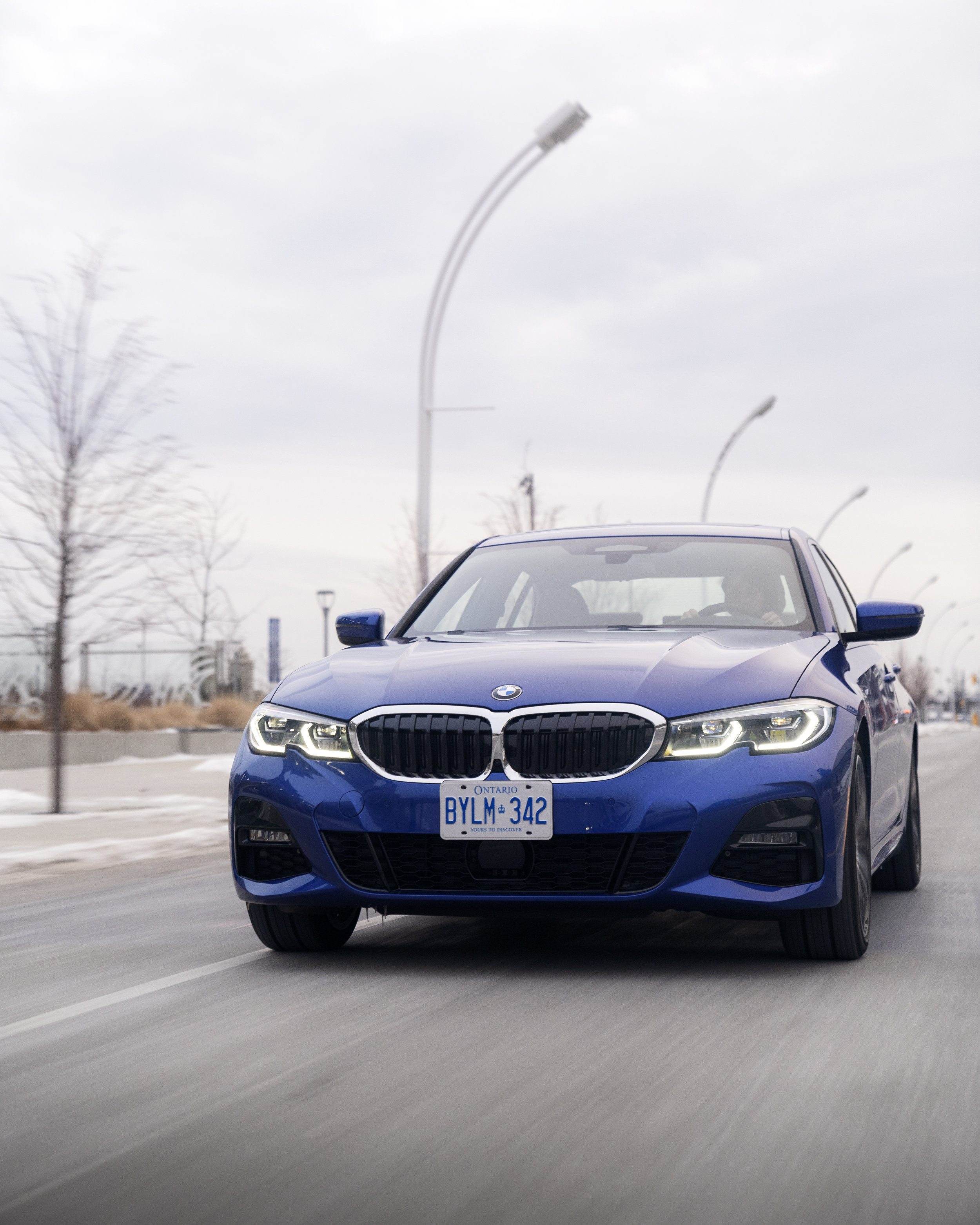 BMW330i_5.jpg
