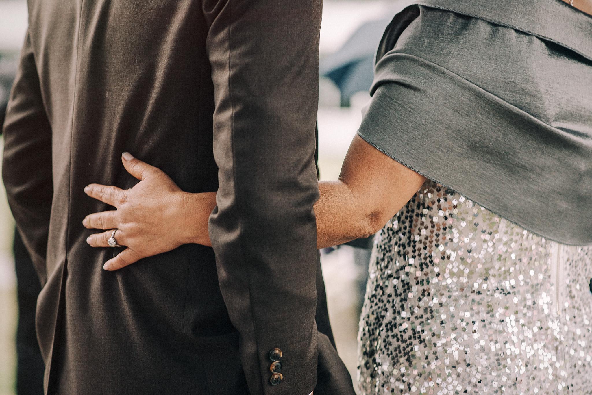 unposed wedding photos