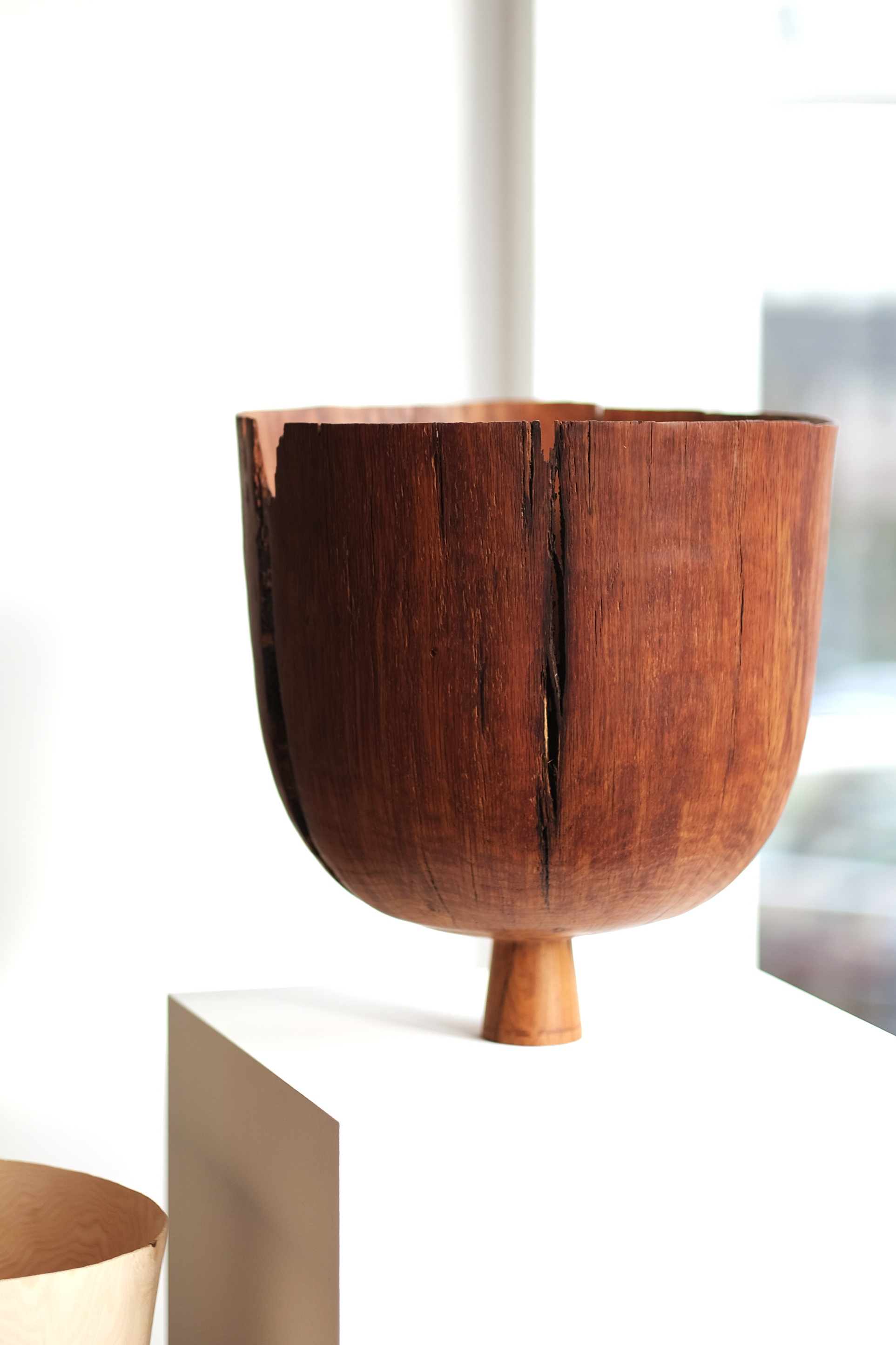 Tenanted Oak Vessel  | brown oak, 35cm x 33cm, 2018  Installation View: Levelling Traditions, Make Hauser & Wirth Somerset, Bruton