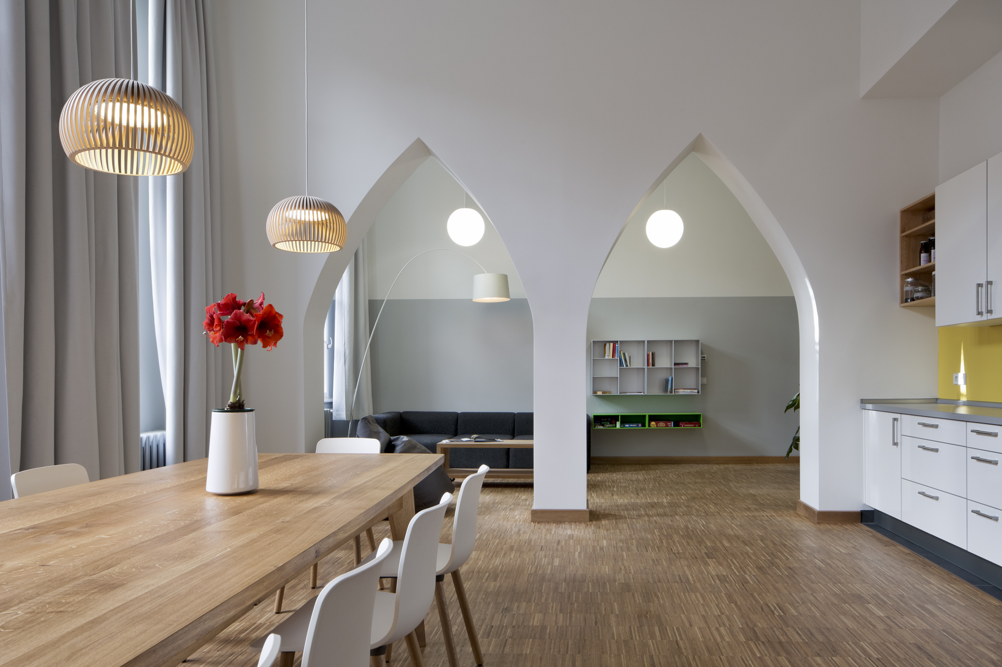 SOTERIA BERLIN - VIEW TO THE LIVING ROOM