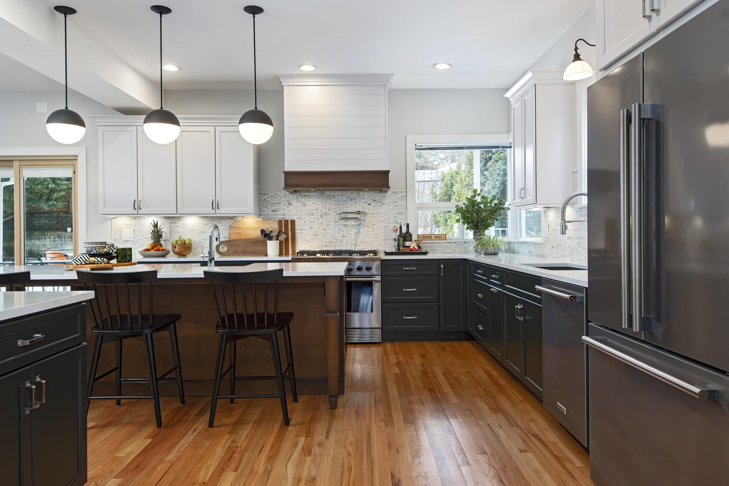 West Seattle, Kitchen — ELEMENTS KITCHEN+BATH