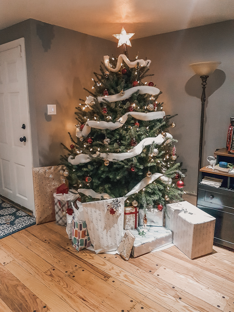 Christmas Tree with presents 2018