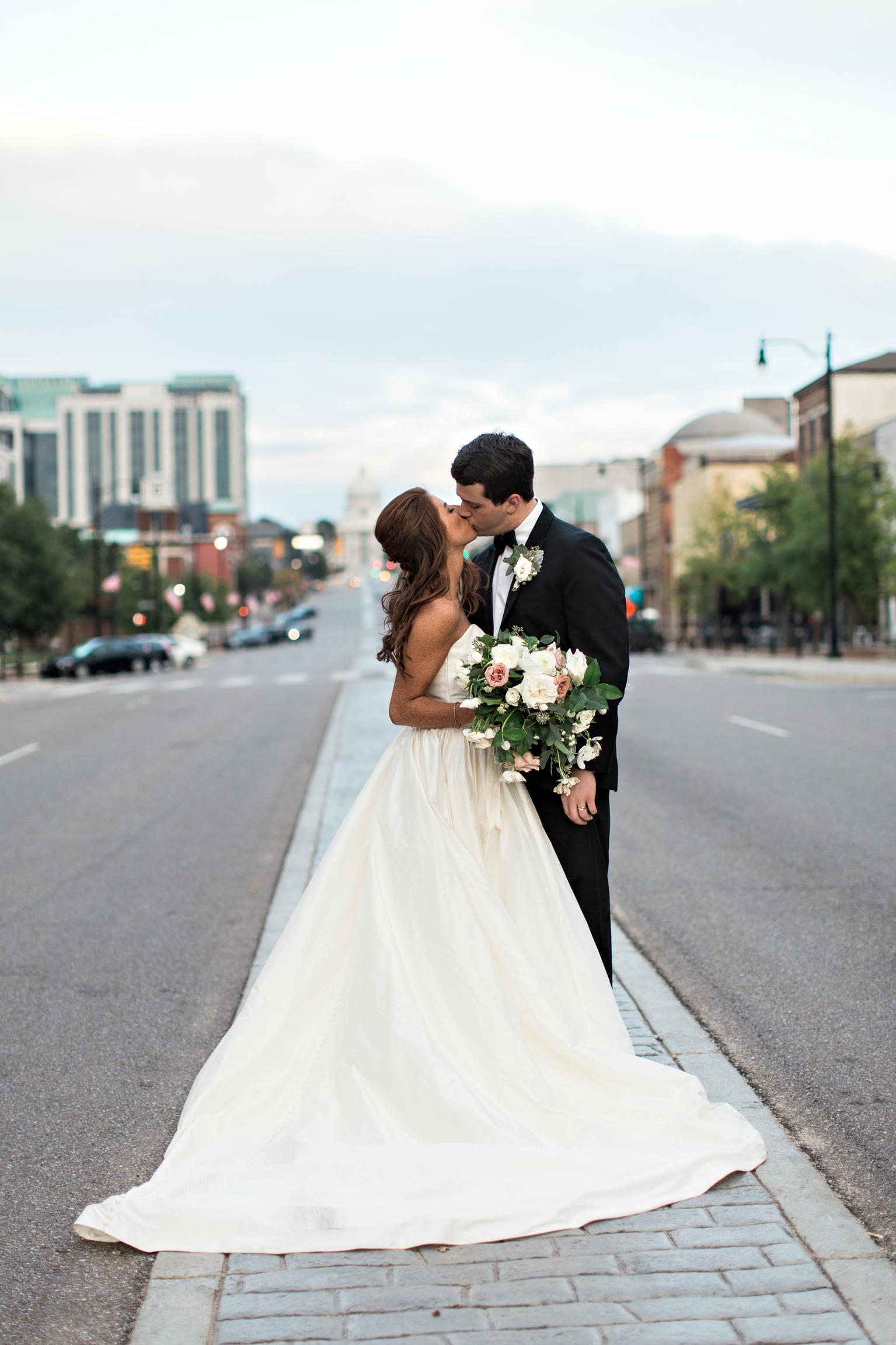 Montgomery-Alabama-Wedding-Photographers-Capital-City-Club-125.jpg
