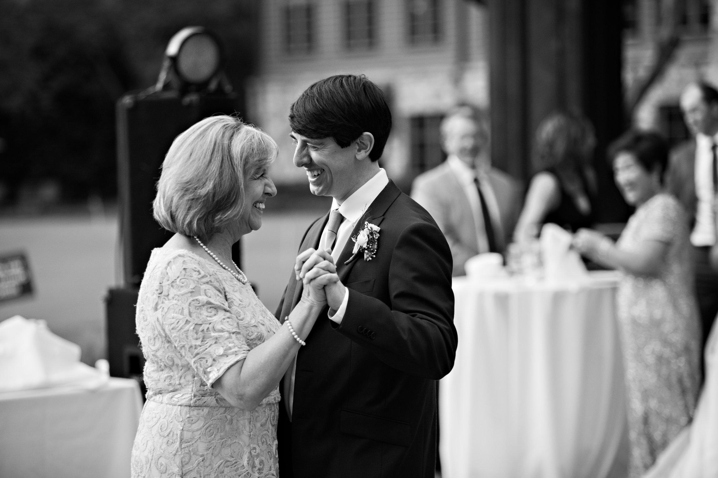 Ni ck-Drollette-Photography-Auburn-Alabama-Weddings-Sylvia-Kevin-163.jpg