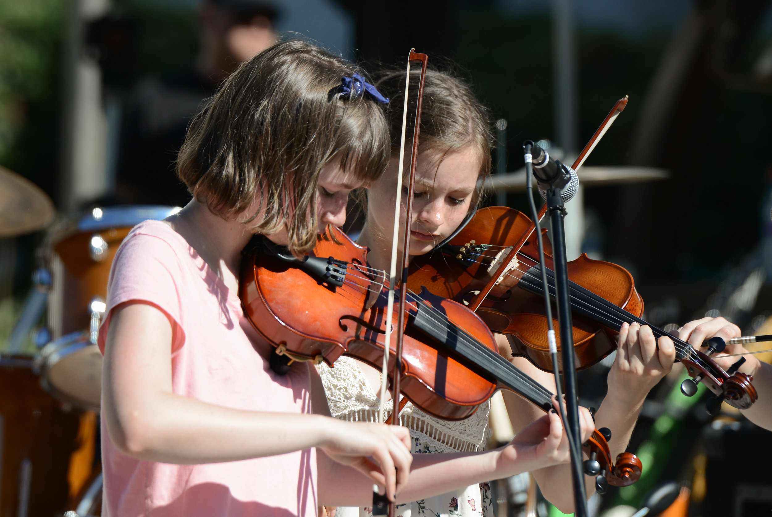 Violin Lessons - We work with beginners to advanced violinist. Classical violin to all styles of music.