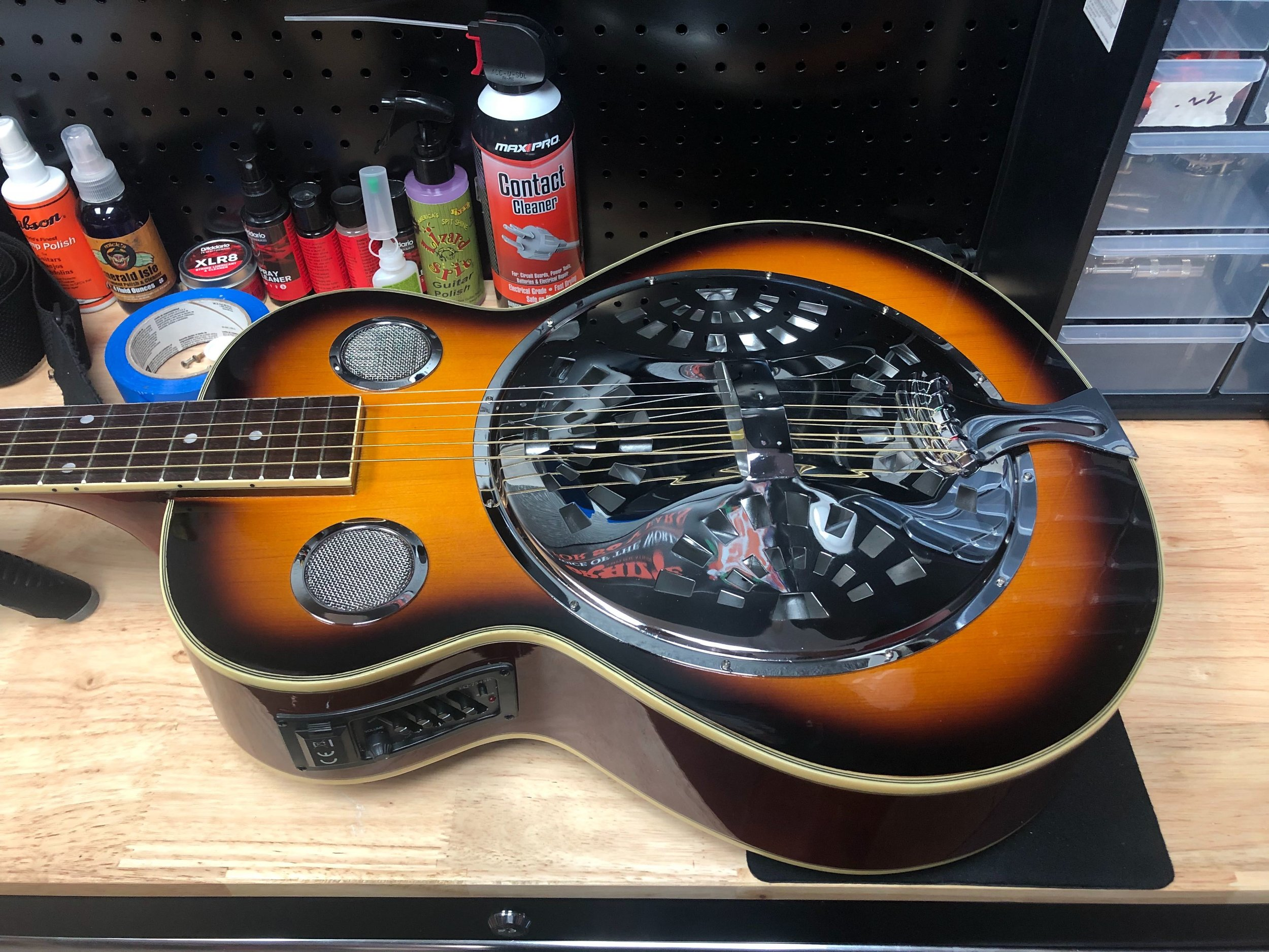 Repairs & Service - RiverCity offers expert instrument maintenance and repair services from restringing to repairing broken headstocks, and much more. Free estimates!