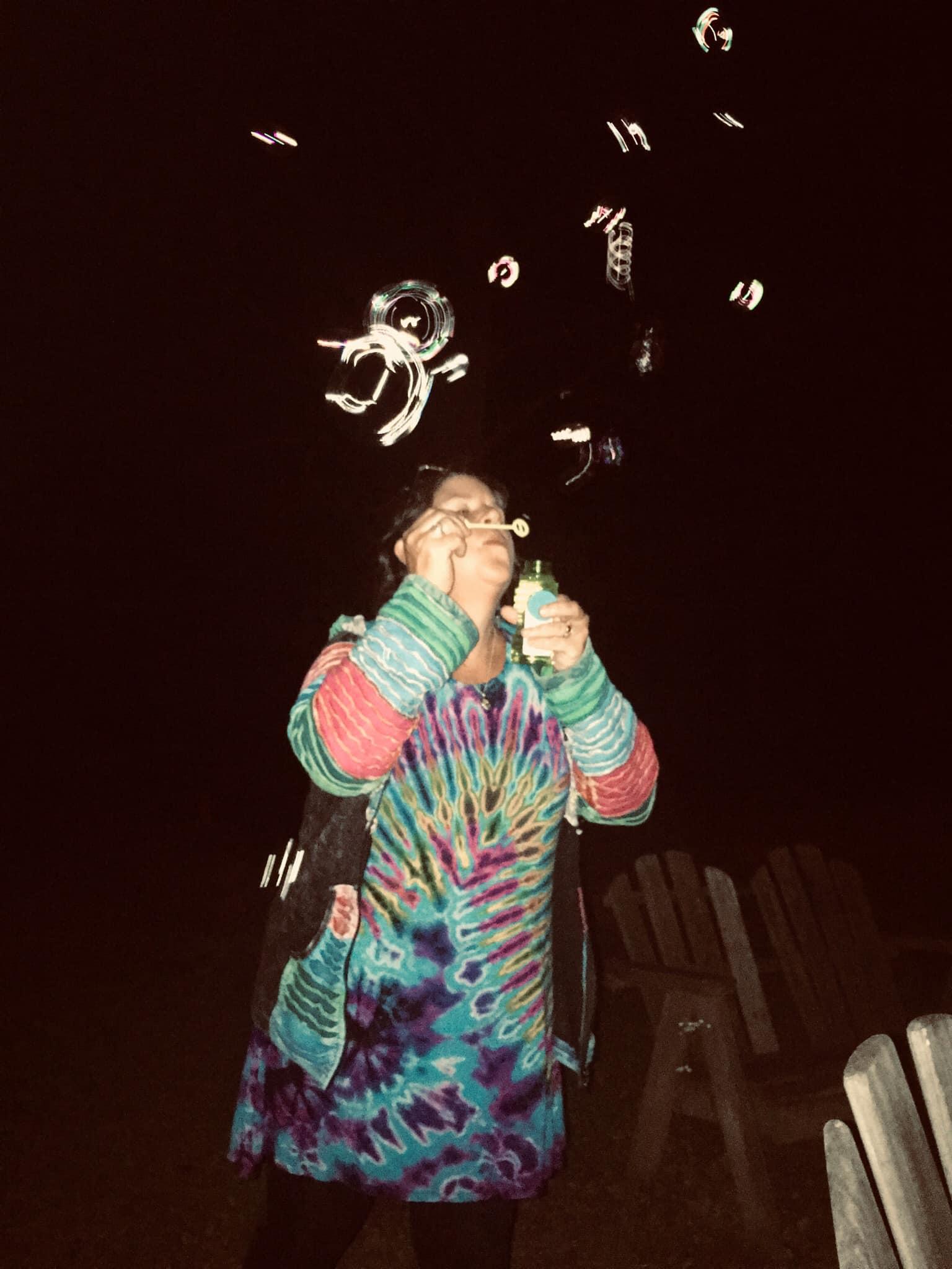 Lindy bubbles campfire.jpg