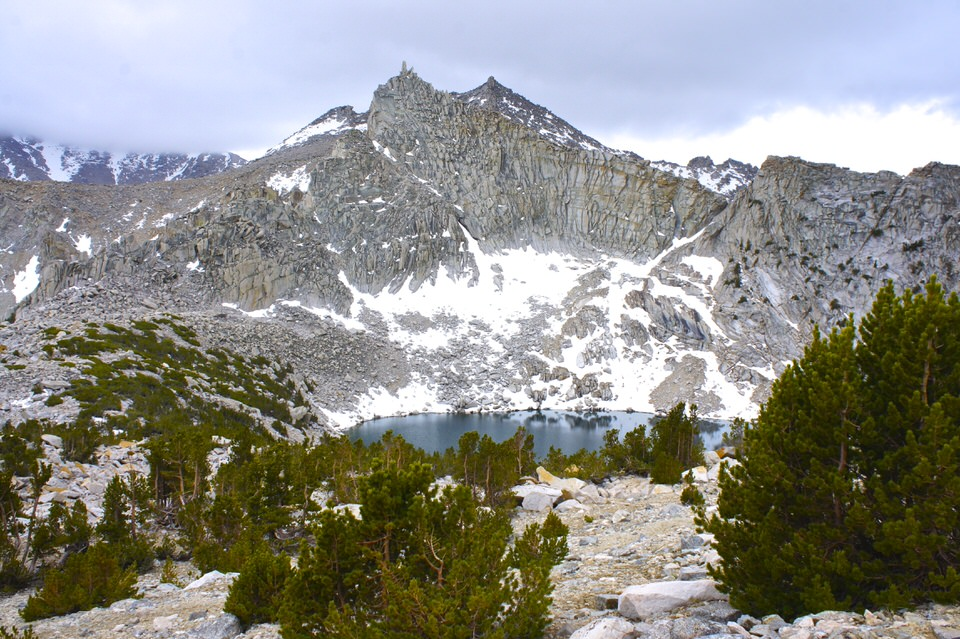beautiful-lake-and-mountain-sierra-nevada