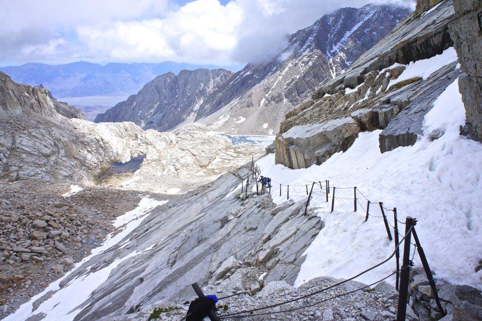 snowy-switchbacks-on-mount-whitney-trail