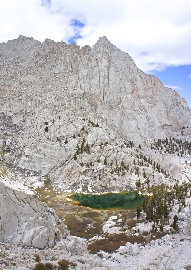 beautiful-green-lake-and-mountain
