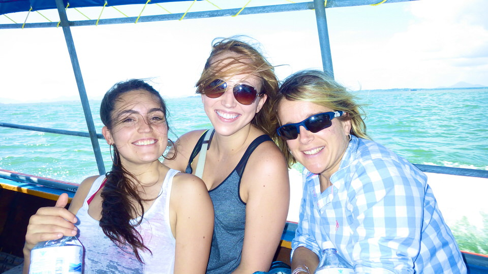 friends-smiling-on-boat