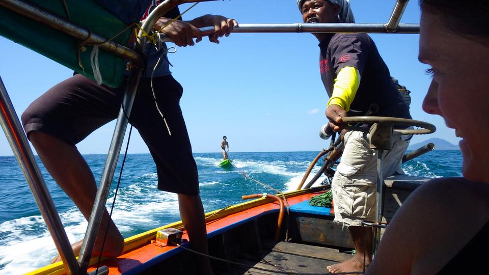 ma-kayak-surfing-behind-boat