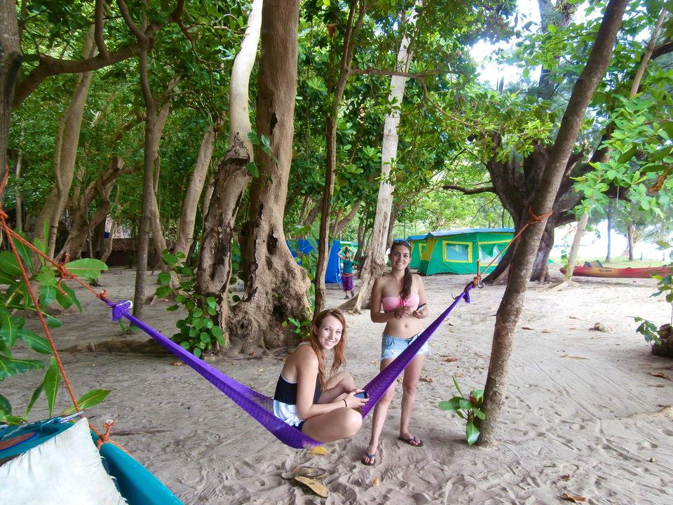 girl-on-hammock-ko-lao-liang
