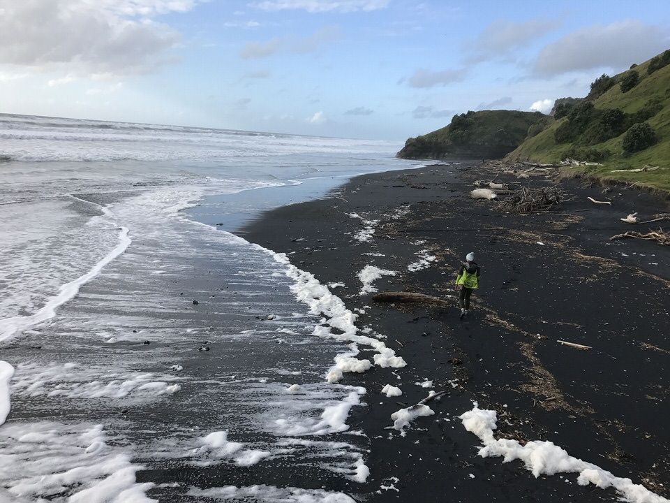 the-ocean-Mokau-new-zealand-north-island